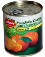 Mandariinilohkoja mandariinimehussa
